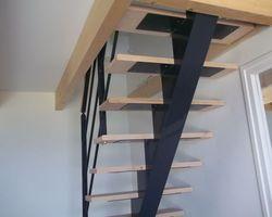 SMRH - GARLAN - Escalier métallique limon centrale à crémaillère avec marches bois, Plougasnou