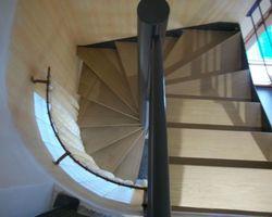 SMRH - GARLAN - Escalier hélicoidale en acier thermolaqué avec marches bois, Plouigneau
