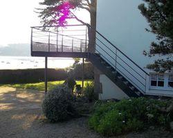 SMRH - GARLAN - Terrasse sur pilotis en acier galvanisé et thermolaqué, platelage composite, Locquirec
