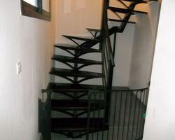 SMRH - GARLAN - Escalier métallique demi tour à limon centrale, Guiclan